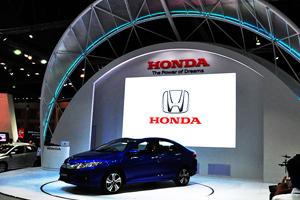 ผลงานป้าย Motor show Honda