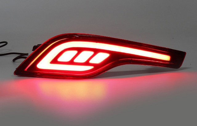 ไฟในกันชนหลัง CR-V 2017 #01 LIGHTBAR สีแดง พร้อมไฟหรี่-เบรคในตัว