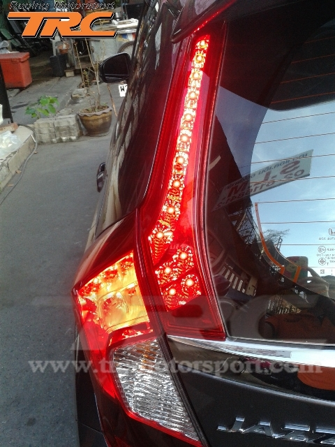 ทับทิม ไฟท้าย ตัวบน JAZZ 2014 GK 2 ชั้น LED แดง ยี่ห้อ Super LUX